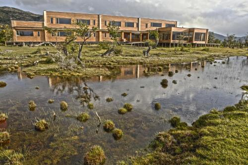 Hotel Pictures: Pampa Lodge, Quincho & Caballos, Torres del Paine