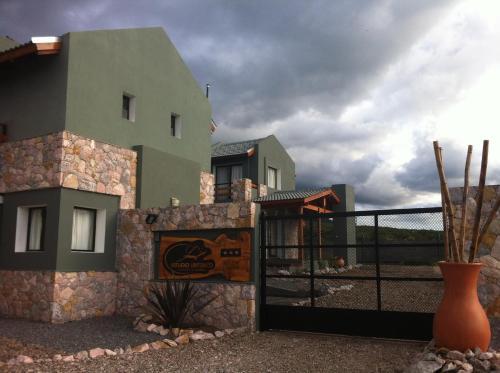 Фотографии отеля: Cabañas Refugio Uritorco, Capilla del Monte