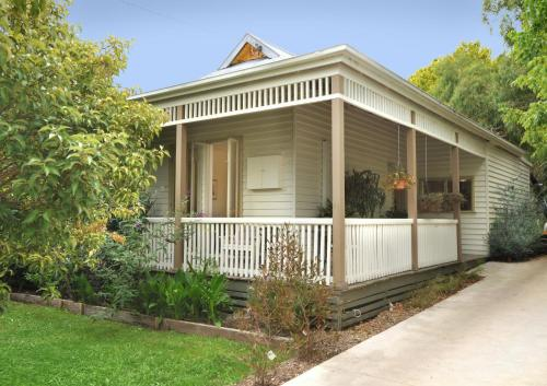 Hotel Pictures: Courtyard Cottage of Healesville, Healesville