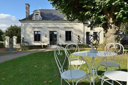 Hotel Pictures: , Saint-Julien-de-Chédon