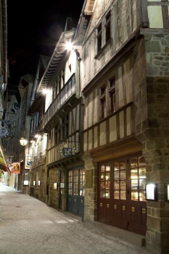 Hotel Pictures: Auberge Saint Pierre, Le Mont Saint Michel