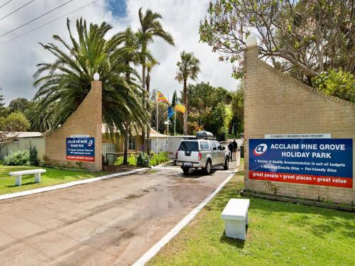 Hotel Pictures: Acclaim Pine Grove Holiday Park, Esperance