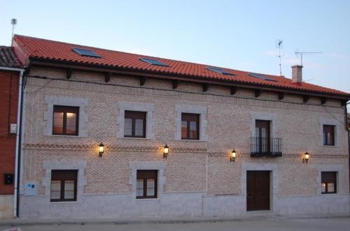 Hotel Pictures: , Villarmentero de Campos