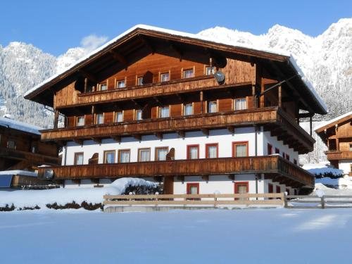 Hotel Pictures: Aparthaus Alpbach Juwel, Alpbach