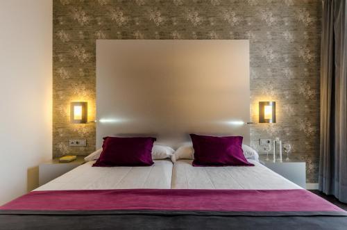Hotel Pictures: , Mairena del Aljarafe