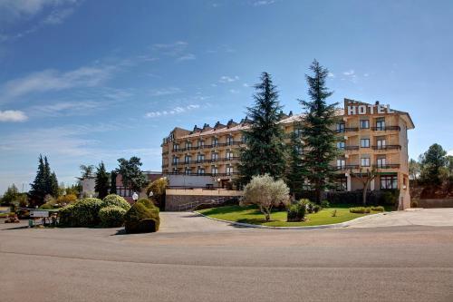 Hotel Pictures: , Barbastro