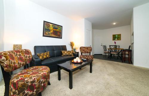 Hollywood Lopez Apartment