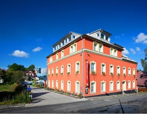 Pytloun Travel Hotel