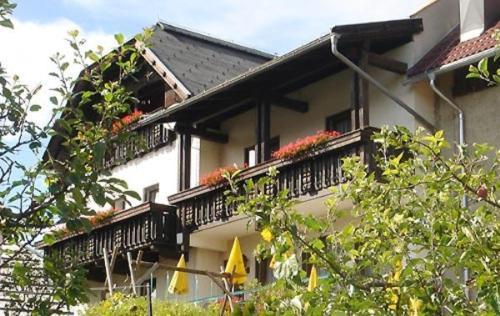 Hotel Pictures: Gasthof Messner, Weissensee