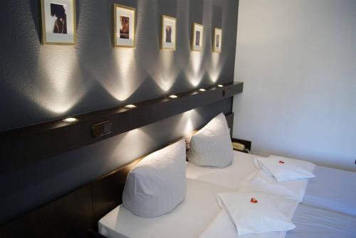 Hotel Pictures: Lindenhof Landgasthof Hotel, Friedrichsdorf