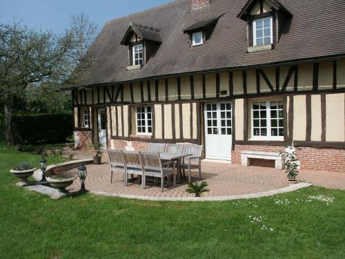 Hotel Pictures: , Saint-Sulpice-de-Grimbouville