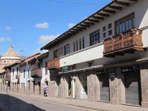 Emperador Plaza
