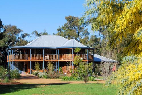 Фотографии отеля: Riverwood Retreat, Nannup