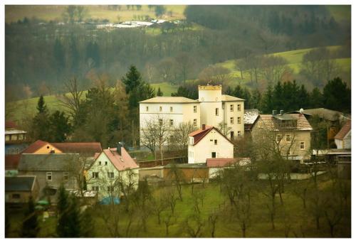 Hotel Pictures: Ferienwohnung Behnisch, Freital