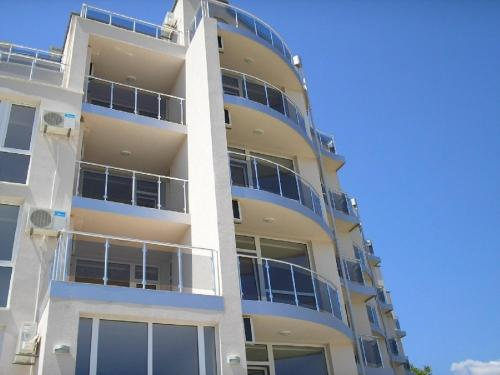 Foto Hotel: Apartment in Panchev complex, Byala