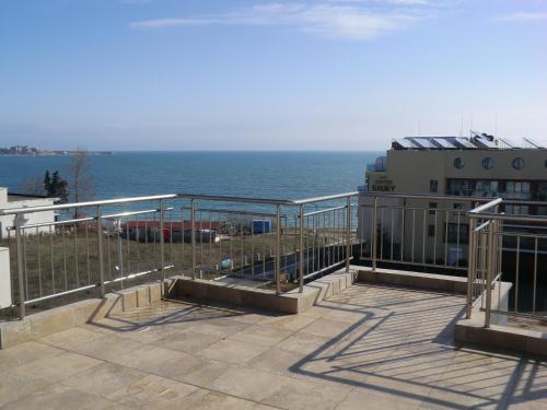 Photos de l'hôtel: Guest House Petrovi, Ravda