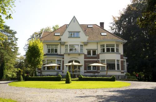 Фотографии отеля: B&B Bloemenweelde, Генк