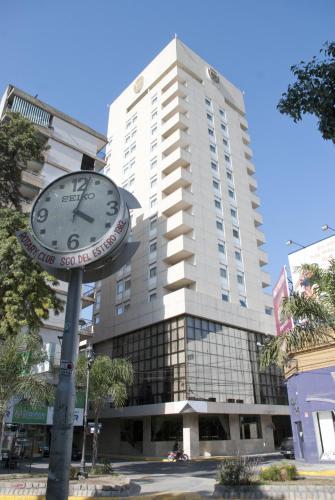 Foto Hotel: Hotel Carlos V Santiago del Estero, Santiago del Estero