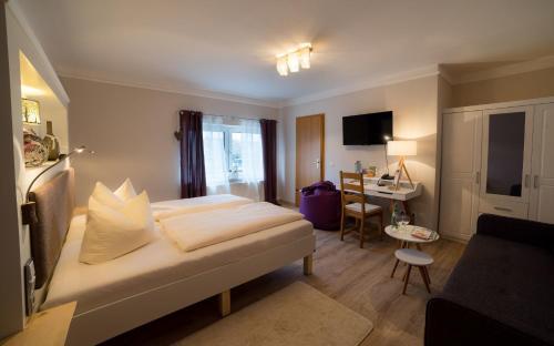 Hotel Pictures: Landhotel Rosenschänke, Kreischa