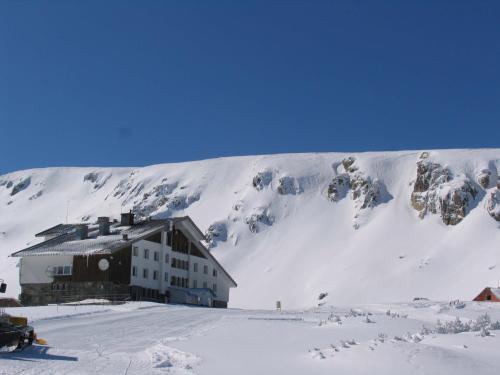 Hotellikuvia: Rilski Ezera Hut, Panichishte