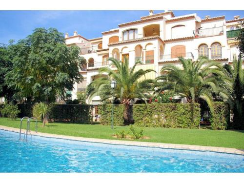 Apartment with pool, near the beach in Javea
