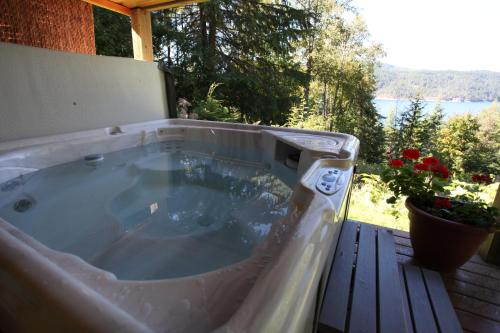 Hotel Pictures: , Gray Creek