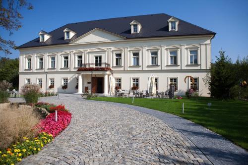 Hotel Pictures: Zámeček Petrovice, Petrovice u Karviné