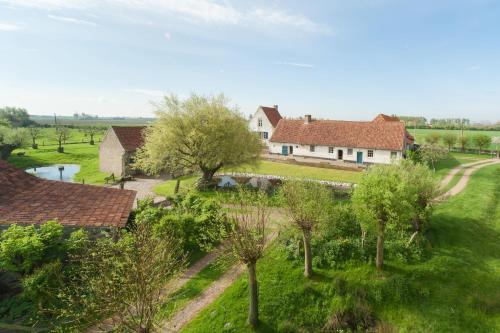 酒店图片: Oud Moeshof B&B, Alveringem