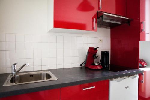 page 2 nantes hotels viamichelin. Black Bedroom Furniture Sets. Home Design Ideas
