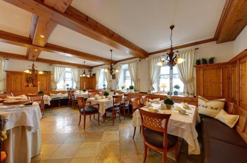 Hotel Pictures: Hotel zur Post garni, Andechs