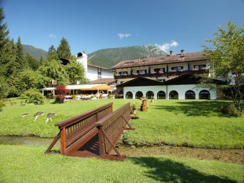 Hotel Pictures: Alpenhof Grainau, Grainau