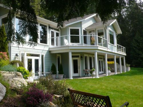 Hotel Pictures: Discovery Place Retreat, Roberts Creek