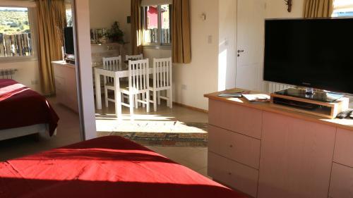 Hotel Pictures: Los Cuatro Vientos Suite, Trevelín