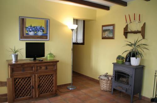 Hotel Pictures: Apartamentos Las Camelias, Soto de Luiña
