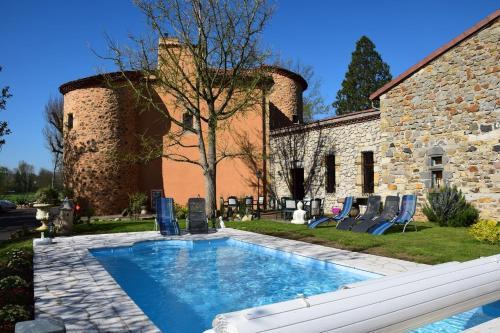 Hotel Pictures: , Saint-Rémy-de-Chargnat