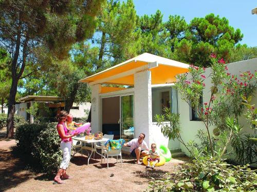 Holiday home Club Pineto 3