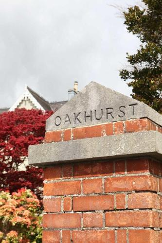 Oakhurst House B&B and Self Catering