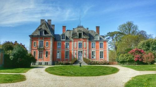 Hotel Pictures: Château de Chantore, Bacilly