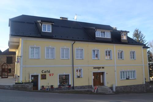 Hotel Pictures: Aparthotel Hartmanice, Hartmanice