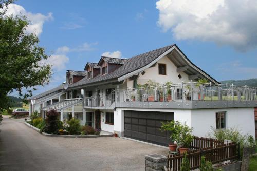 Hotel Pictures: Landurlaub Eichinger, Thurmansbang