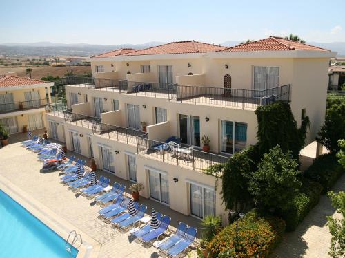 Hotel Pictures: Latchi Studio Apartment, Polis Chrysochous