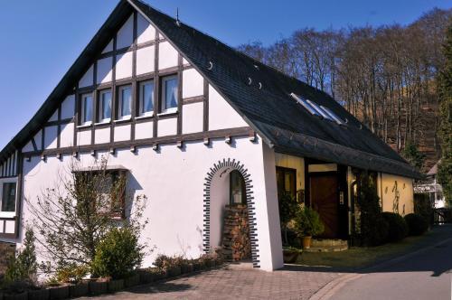 Hotel Pictures: Haus Hans im Glück, Schmallenberg