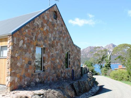 Hotelbilleder: Hazards View Stone Cottage, Coles Bay