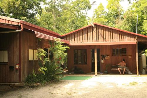 Фотографии отеля: Tropical Bliss bed and breakfast, Mena Creek