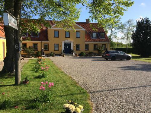 Hotel Pictures: Otel Våbensted Bed & Breakfast, Sakskøbing