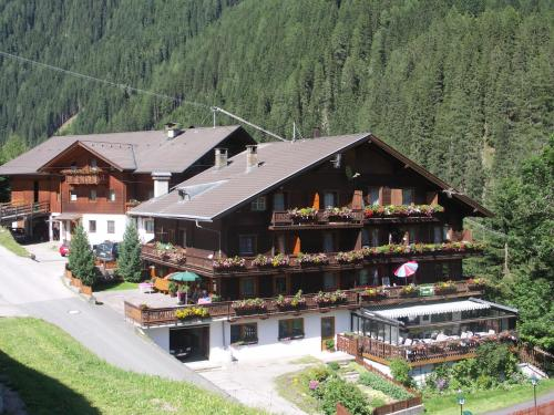 Hotellikuvia: Berggasthaus Trojen, Sankt Jakob in Defereggen