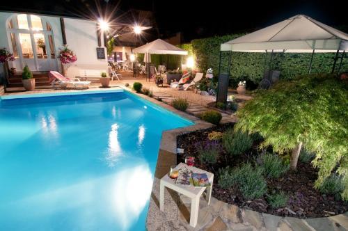 Hotel Pictures: , Saint-Étienne-de-Fursac