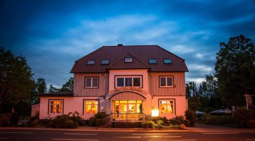 Hotel Pictures: Hotel zur Heideblüte, Hambühren