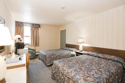 Hotel Pictures: Springs Motor Inn, Wainwright