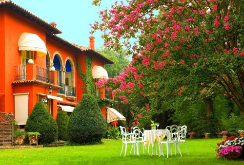Hotel Pictures: , Sant Juliá de Vilatorta
